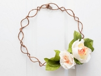 A Pretty Fix Romantic Minimal Floral Wreath
