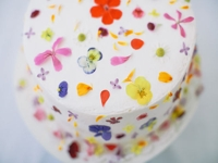 DESIGNLOVEFEST Cake with Edible Flowers