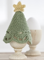 DROPS Christmas Tree Egg Warmer