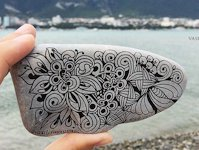 Instagram vasilisinamari Zentangle Pebble