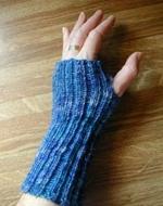 Knitting News Cast Wrist Warmer Pattern Generator