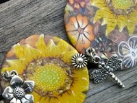 Les Fantaisies de Pinklily Polymer Clay Flower Necklace