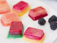 Momtastic Fruit Ice Cubes