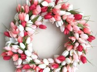 The How To Mom Tulip Wreath