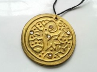 instructables Muhaiminah Faiz Faux Embossed Pendants