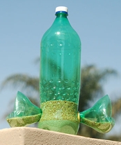 instructables dezine Plastic Bottle Bird Feeder