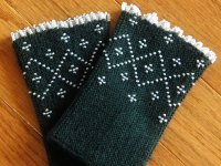knitty Lithuanian Wristwarmers