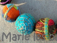 marie les bas bleus Embroidered Felt Beads