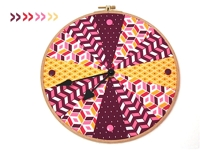 modage Embroidery Hoop Clock